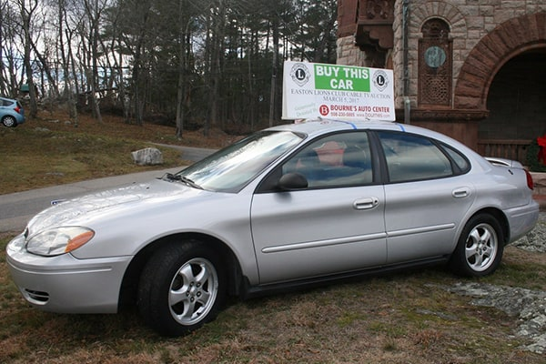 Auction car from Bourne Auto, 2007 Ford Taurus.