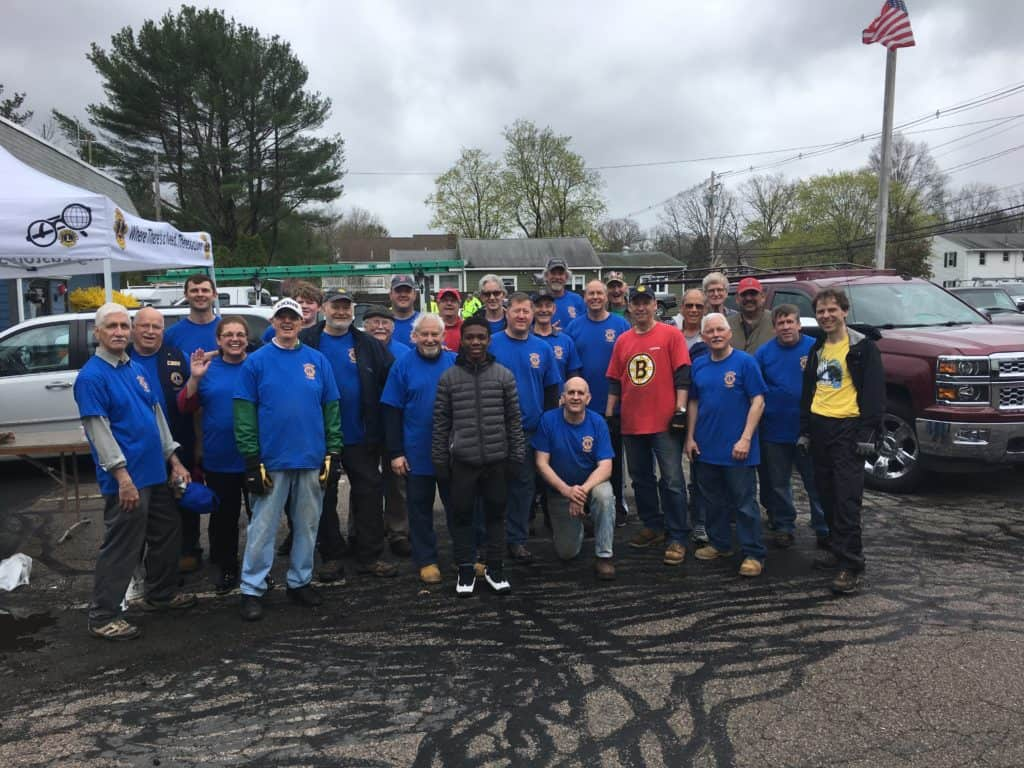 Easton Lions 2019 Junk and Recycle day photo of the crew