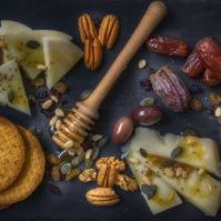 cheese-cracker-platter